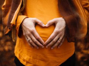 Vidéo de la croissance d'un enfant in utero